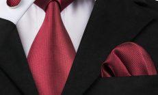 Kırmızı Kravatın Şıklığı