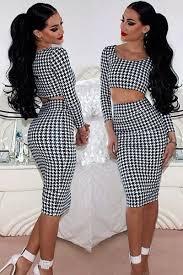Trend Göbeği Açık Elbise Modası